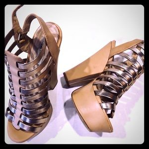 Steve Madden Shoes - Steve Madden Glendael size 8 Gold